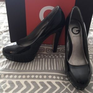 G by Guess black 5in pumps
